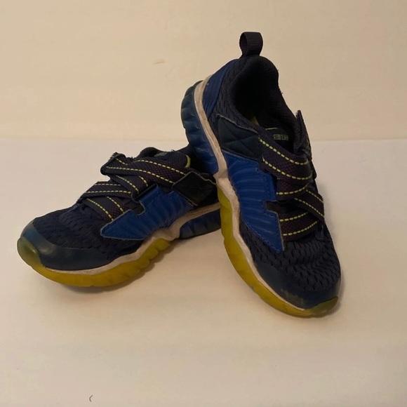 Skechers Shoes   Boys Size 12 Light Up